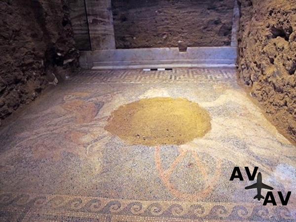 В Греции найдена древняя мозаика